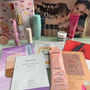 Lot (17) of DELUXE Makeup Samples